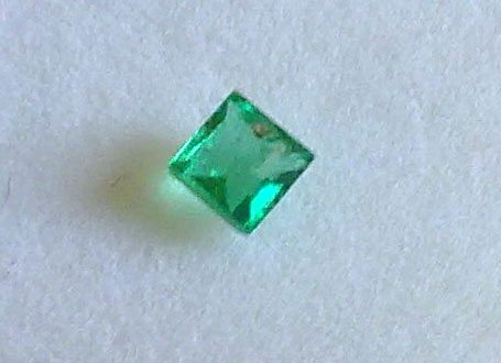 0 12ct Top Quality Natural Green Colombian Emerald